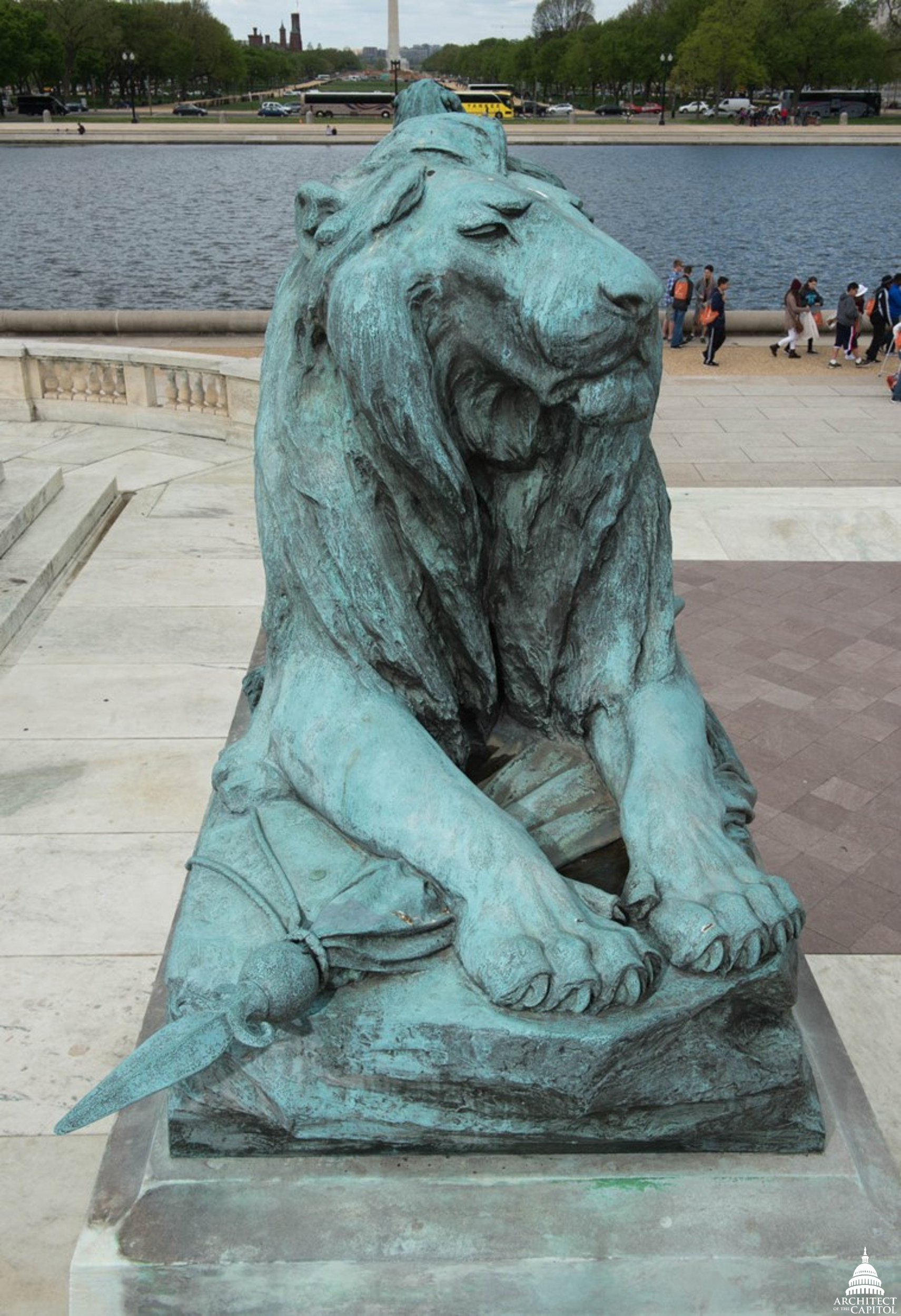 Grant Memorial lion before conservation.