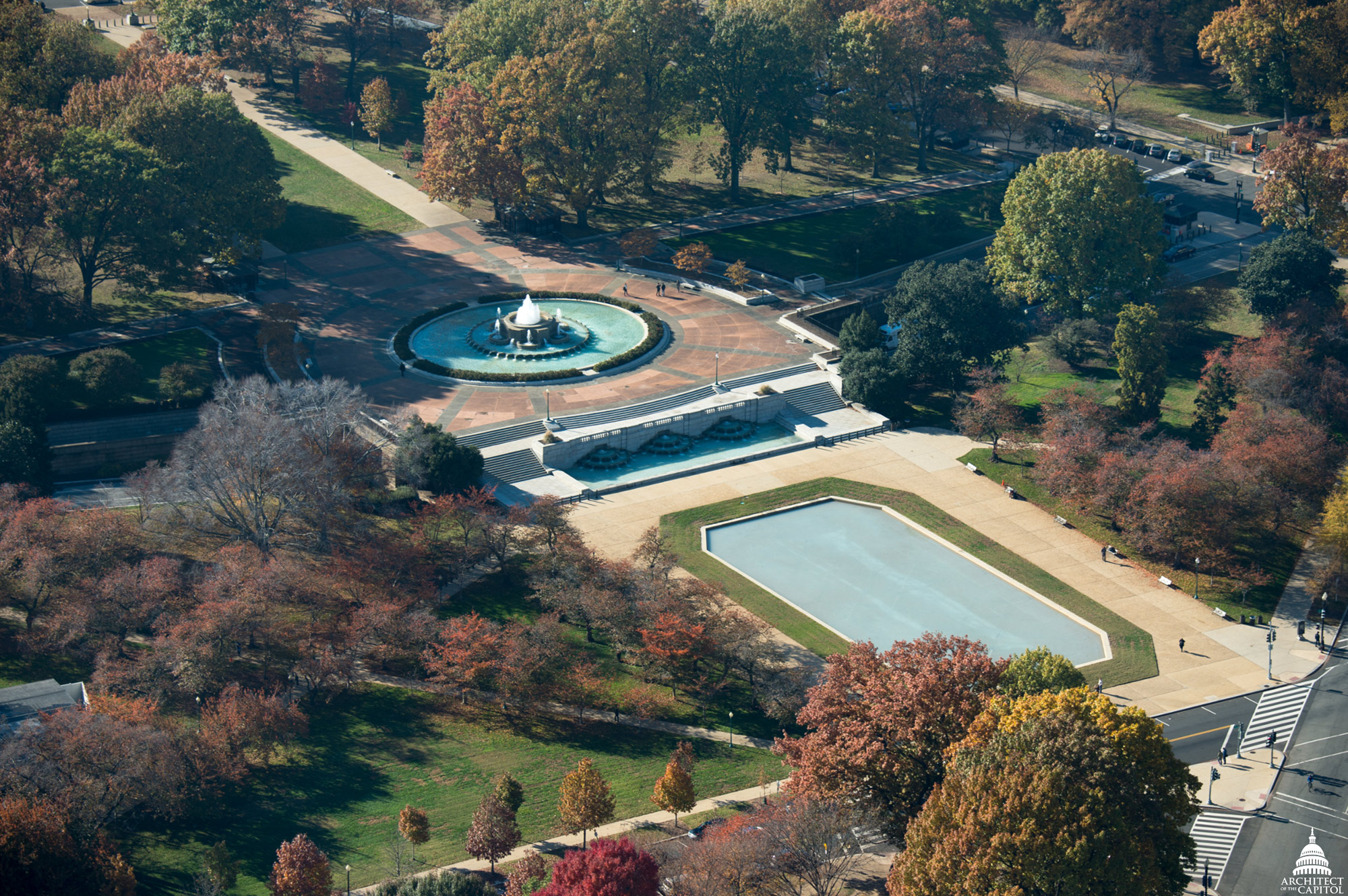 The Senate Fountain consists of three components.