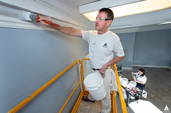 A member of AOC's Library Buildings and Grounds Paint Division.