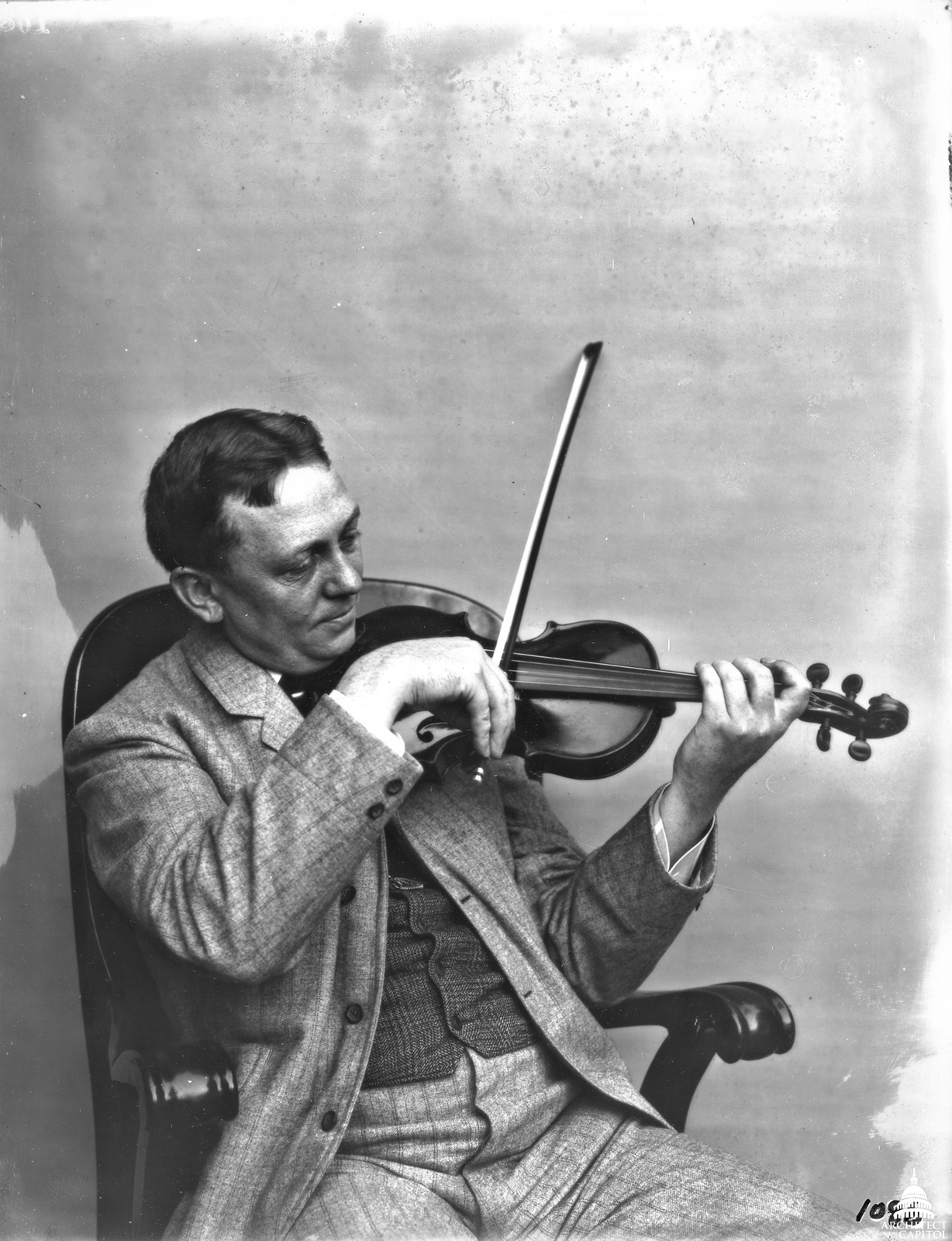 Elliott Woods, 6th Architect of the Capitol, playing the violin.