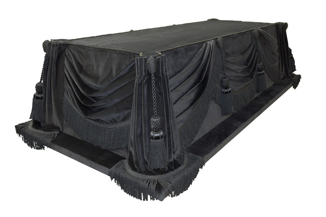 The Lincoln catafalque in 2006, after the most recent replacement of its fabric covering.