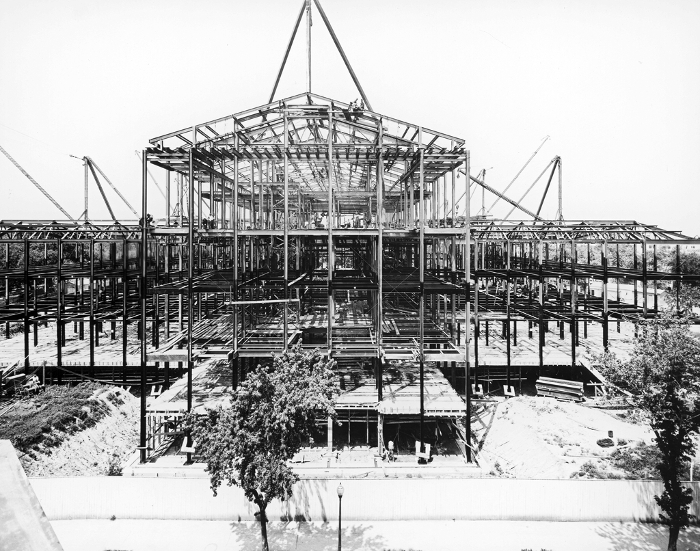 Erection of the steel framework of the Supreme Court Building on July 1, 1932.