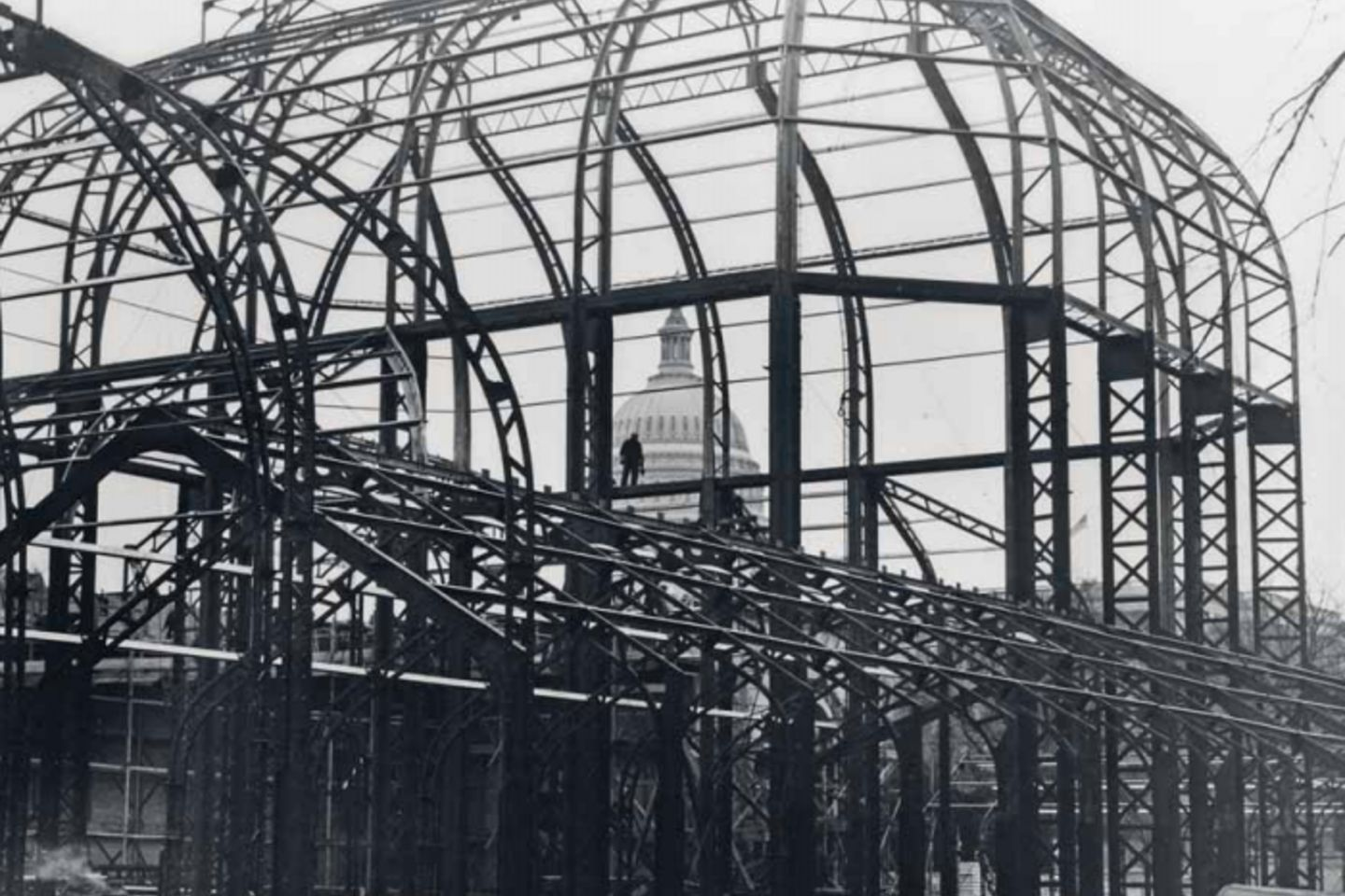 USBG Conservatory aluminum structure frames the Capitol Dome in 1932.