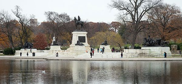 View of fall foliage at the Grant Memorial and Capitol Reflecting Pool.