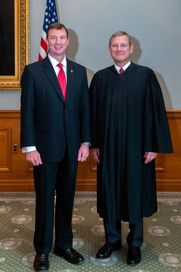 Architect of the Capitol Blanton and Chief Justice Roberts.