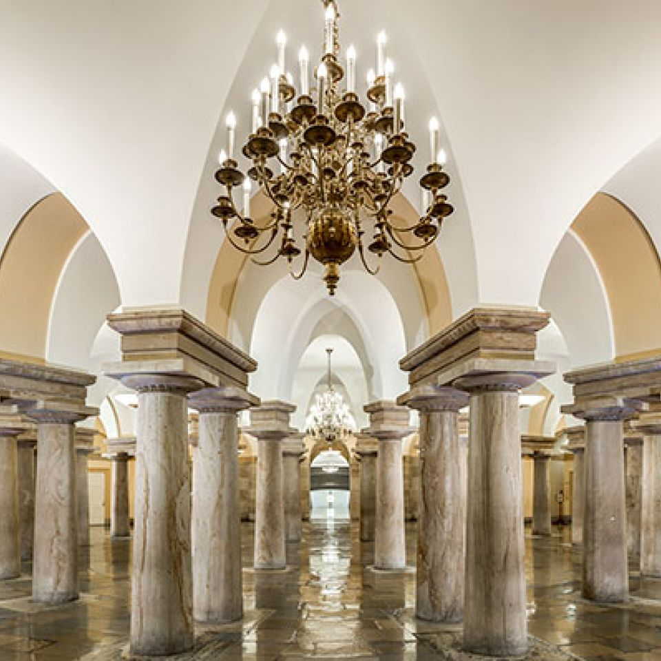 Picture of the Crypt in the U.S. Capitol.